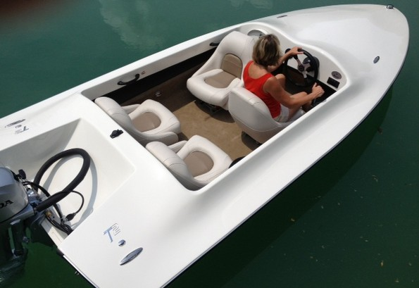 boats simply   small power boat   boats features
